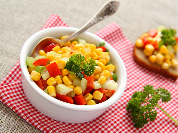 Sweet corn rainbow salad